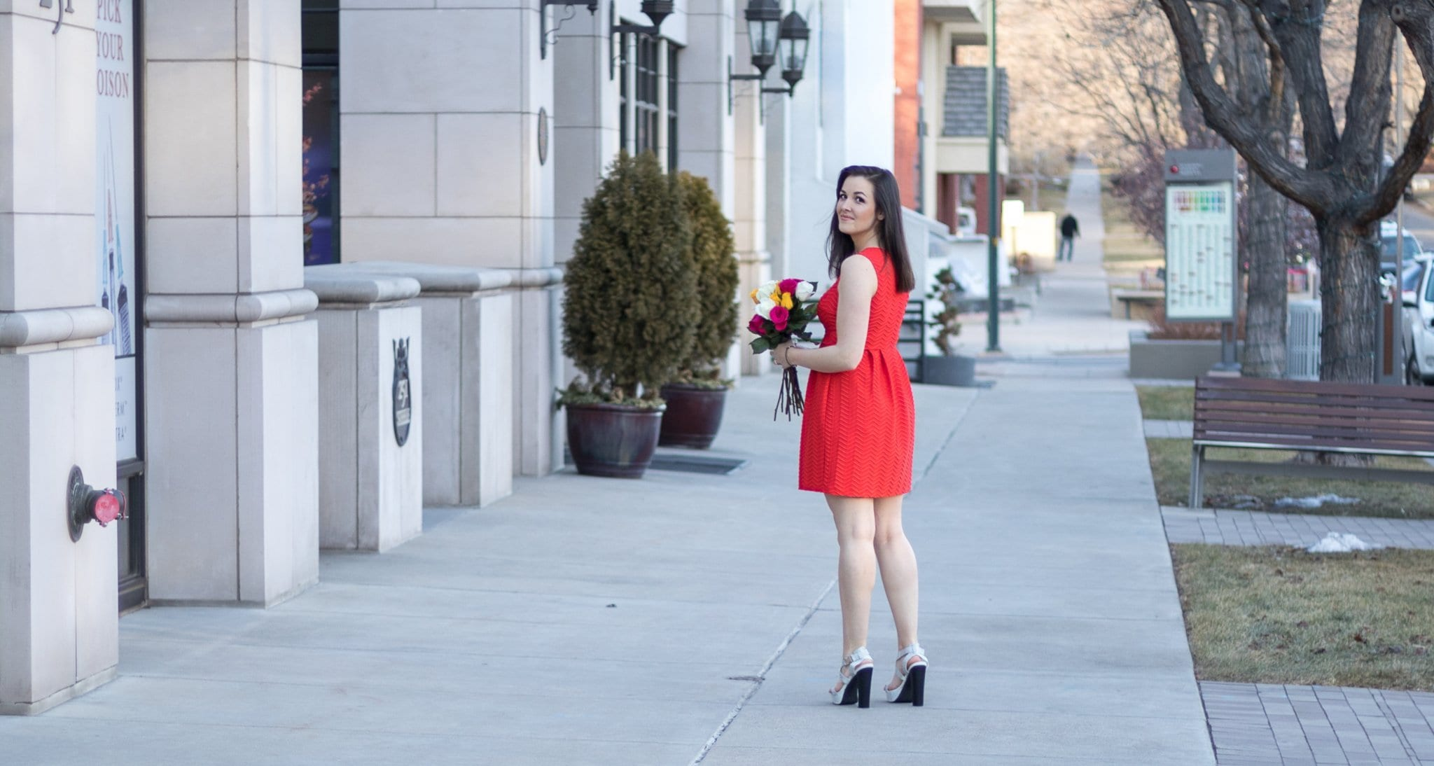 Valentines outfit | Valentines date look | Date night outfit | little red dress | Vday look | red cocktail dress | best outfit for valentines day | blogger style