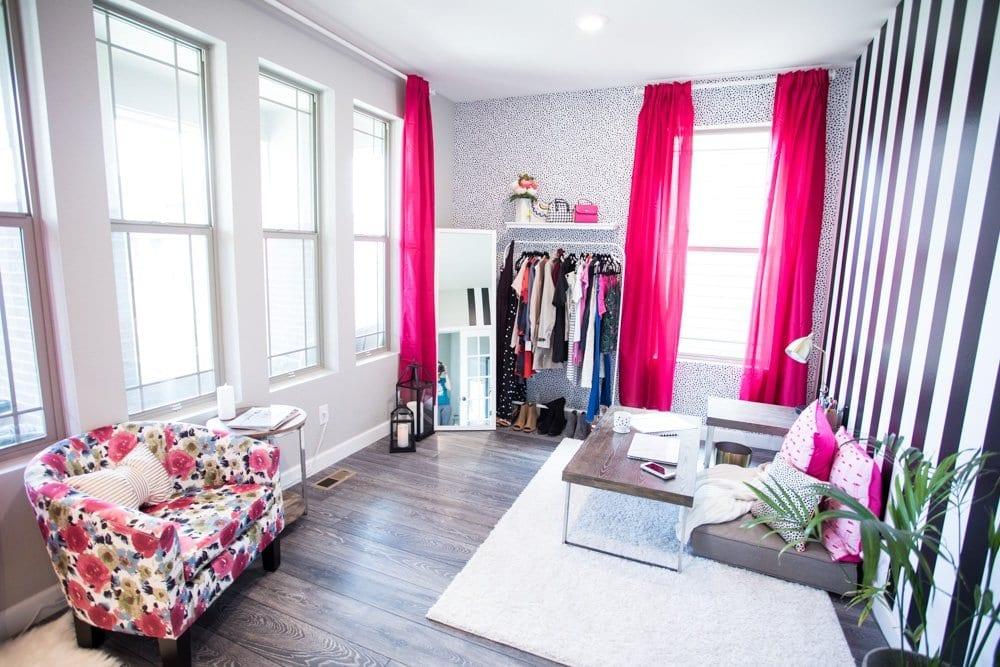 Office decor ideas   office design   interior design   pink office ideas   temporary wall paper   girlboss office   office for her   elegant office