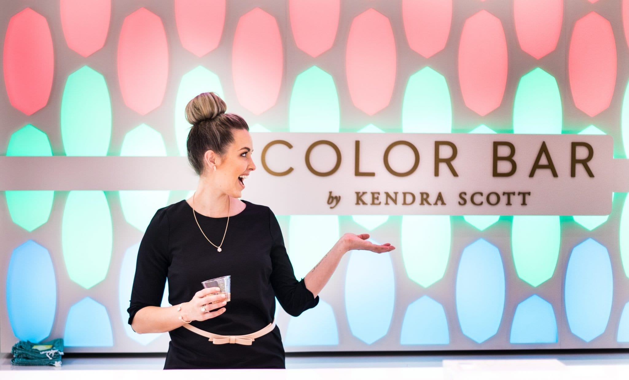 kendra scott earrings | scallop dress for fall | jewelry | Fashion show mall vegas | kendra scott vegas | TOBI scalloped dress | kendra scott necklace elisa