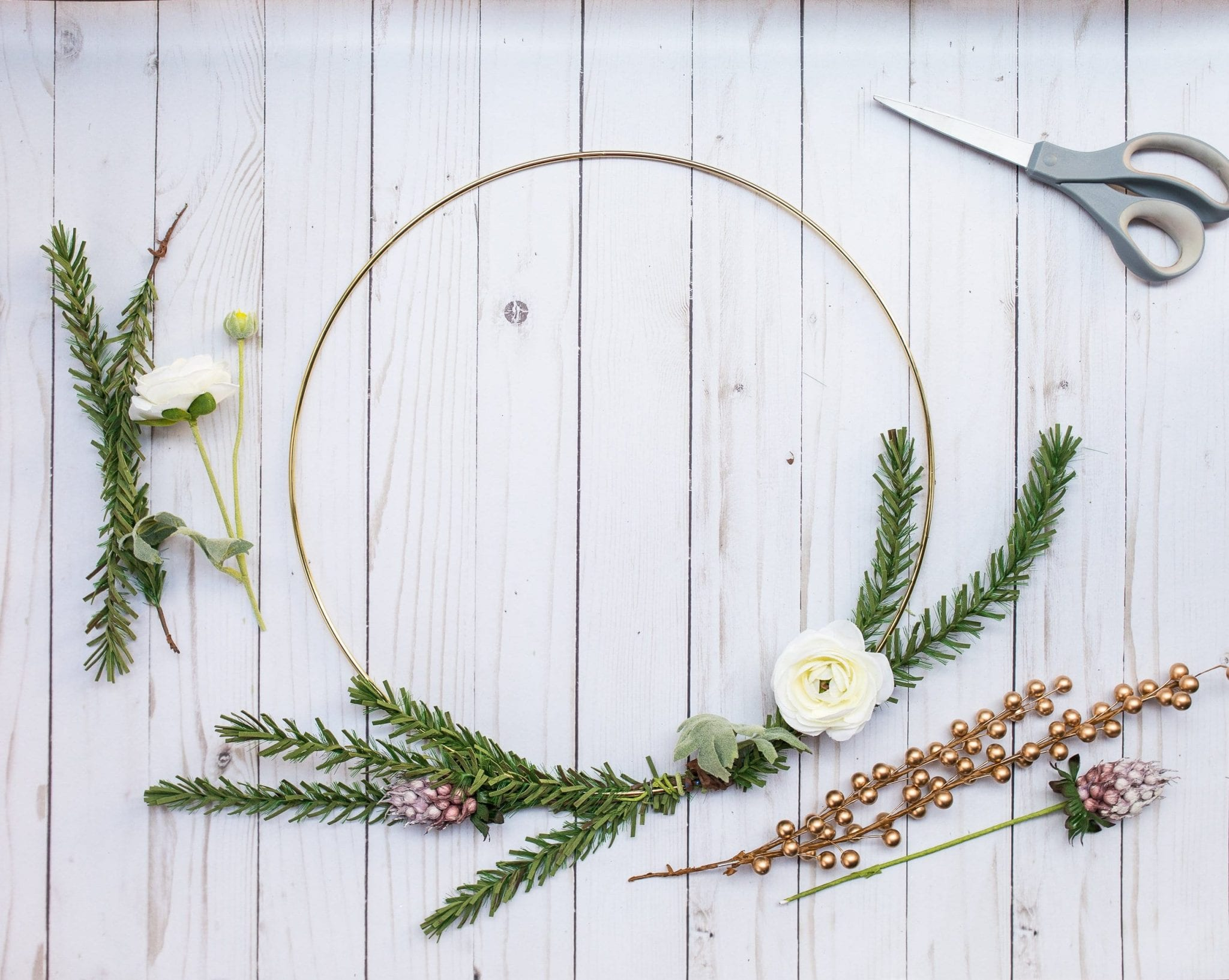 holiday wreaths diy christmas | christmas wreath gold hoop | how to make simple christmas wreath | christmas decor modern simple| holiday wreaths diy christmas simple| never skip brunch by cara newhart #decor #christmas #holiday