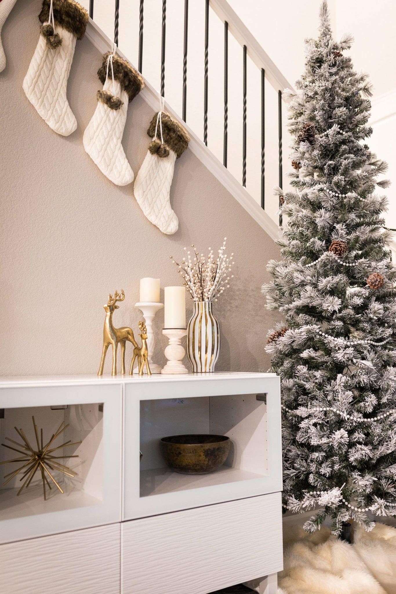 white christmas decor | holiday decor white and gold | christmas decor white winter wonderland | holiday decor christmas | white christmas decor elegant | never skip brunch by cara newhart #decor #christmas #holiday