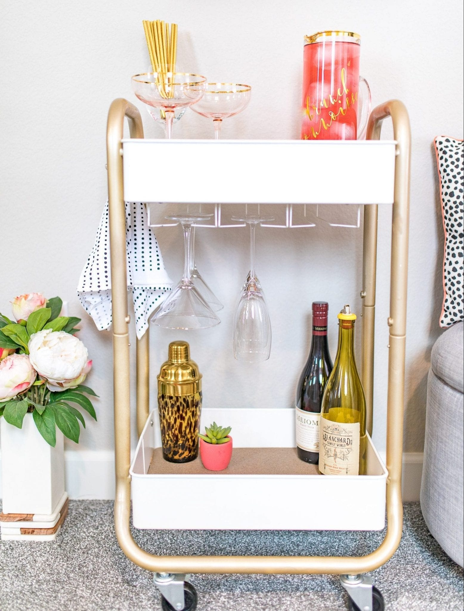 bar cart diy | bar cart diy metal | bar cart diy before and after | bar cart styling ideas | bar cart ideas | bar cart ideas DIY | Never Skip Brunch by Cara Newhart | #Brunch #DIY #barcart #neverskipbrunch