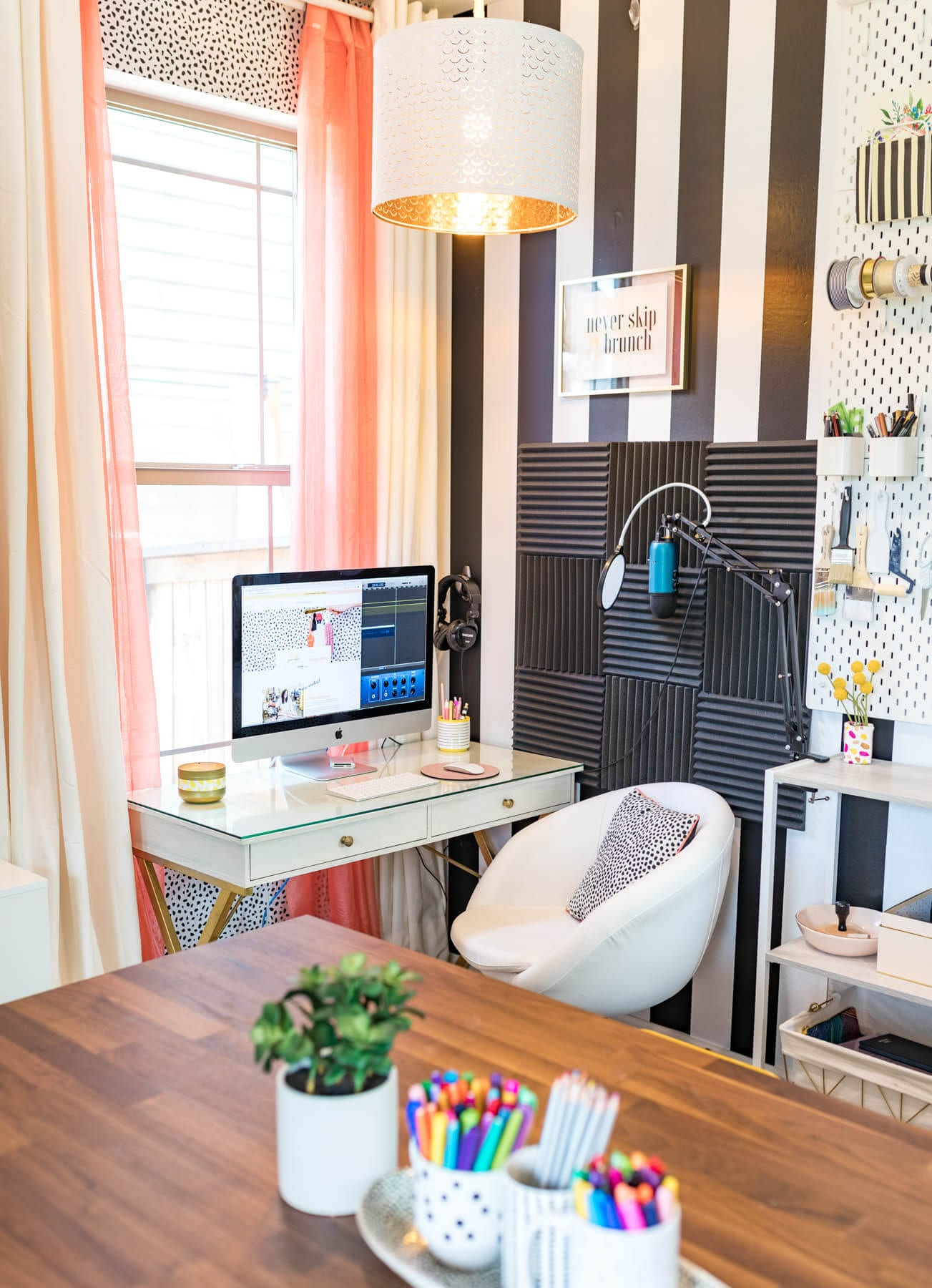 WHAT AN AMAZING SPACE! Office Reveal | Office Decor | office decorating ideas | Studio Design | office decorating ideas for women | Never Skip Brunch by Cara Newhart #home #decor #office #studio
