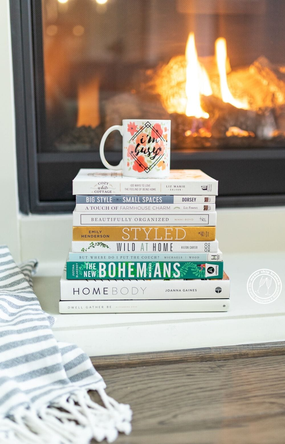 Such good picks! —  home decor books to cozy up with | Never Skip Brunch by Cara Newhart | #CHRISTMAS #diy #homedecor #neverskipbrunch