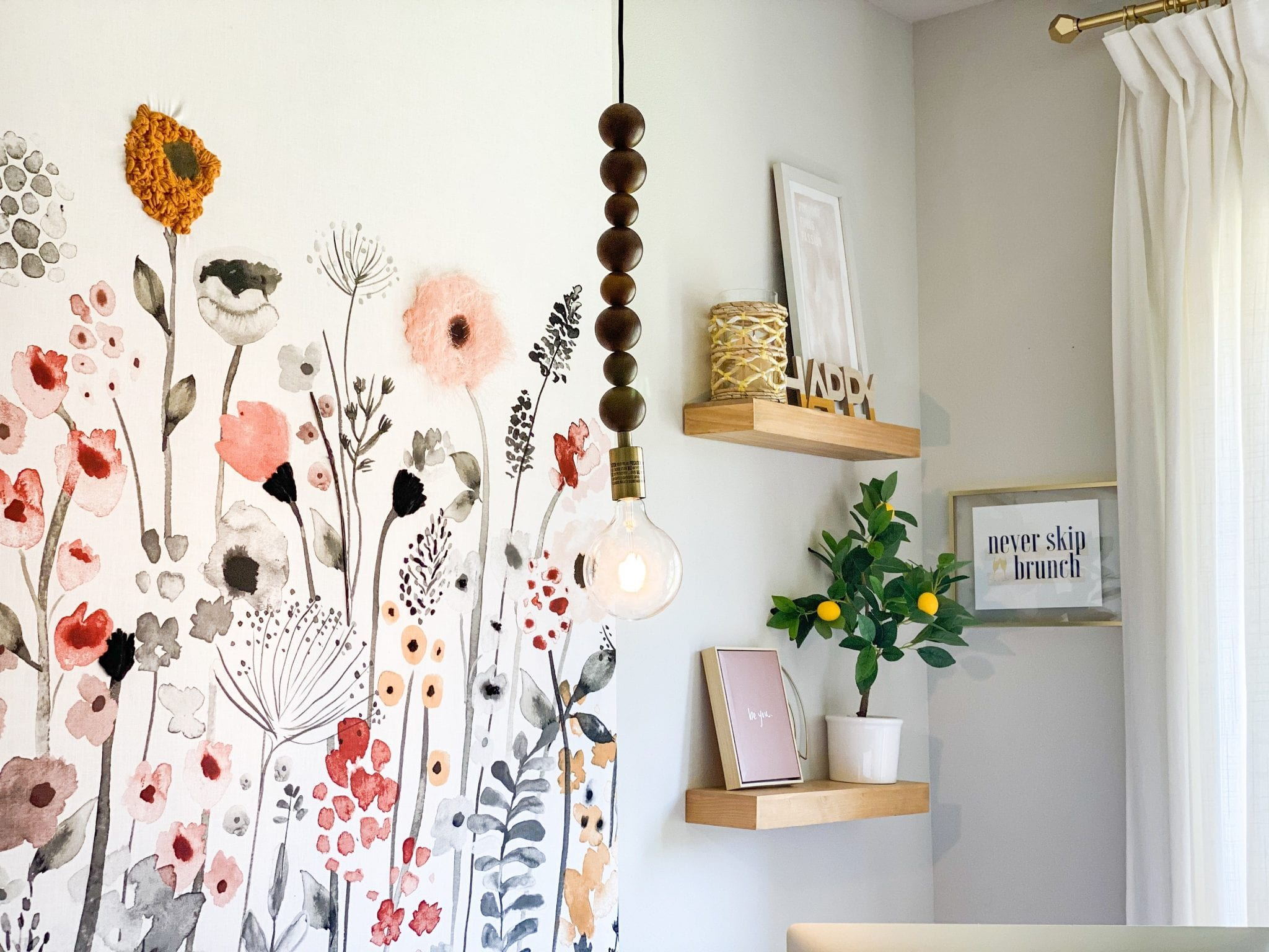 DIY Tray | Tile DIY Ideas | DIY Home Decor | home decor ideas | Diy projects | Never Skip Brunch by Cara Newhart | #home #diy #decor #neverskipbrunch