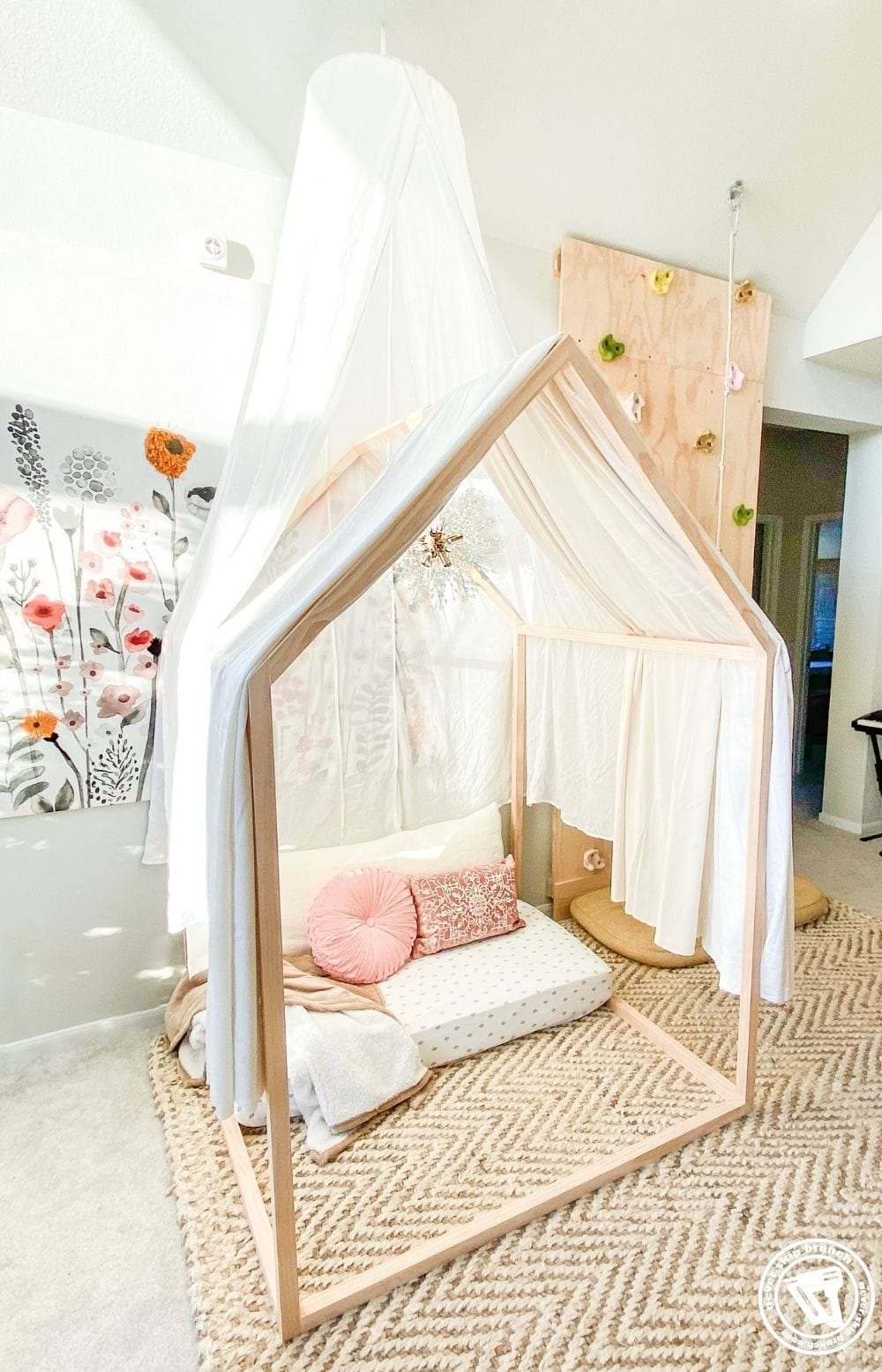 Diy Playhouse Playhouse Frame Reading Nook With Repurposed Crib Mattress Never Skip Brunch