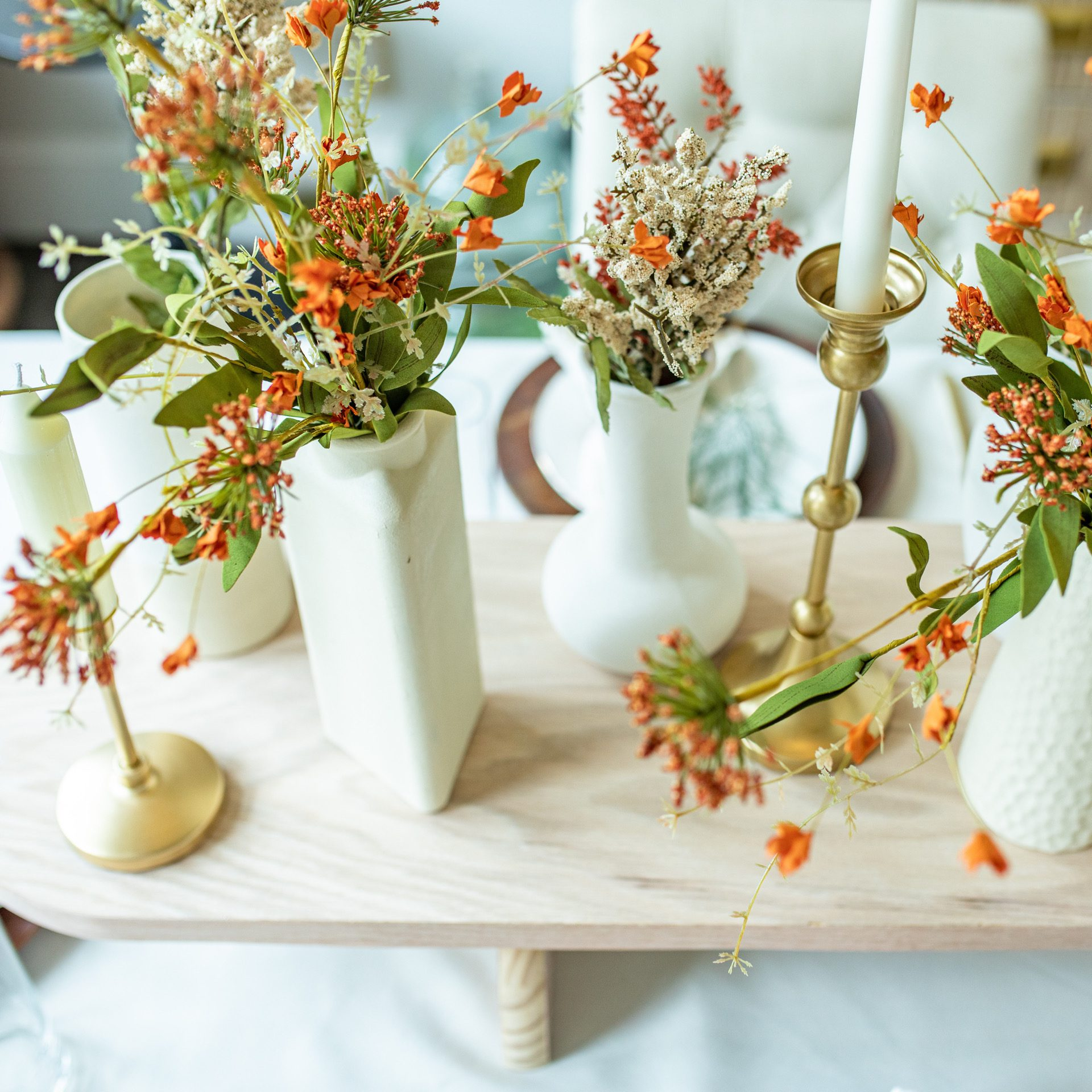 diy fall centerpiece featured by top US home DIY blogger, Never Skip Brunch